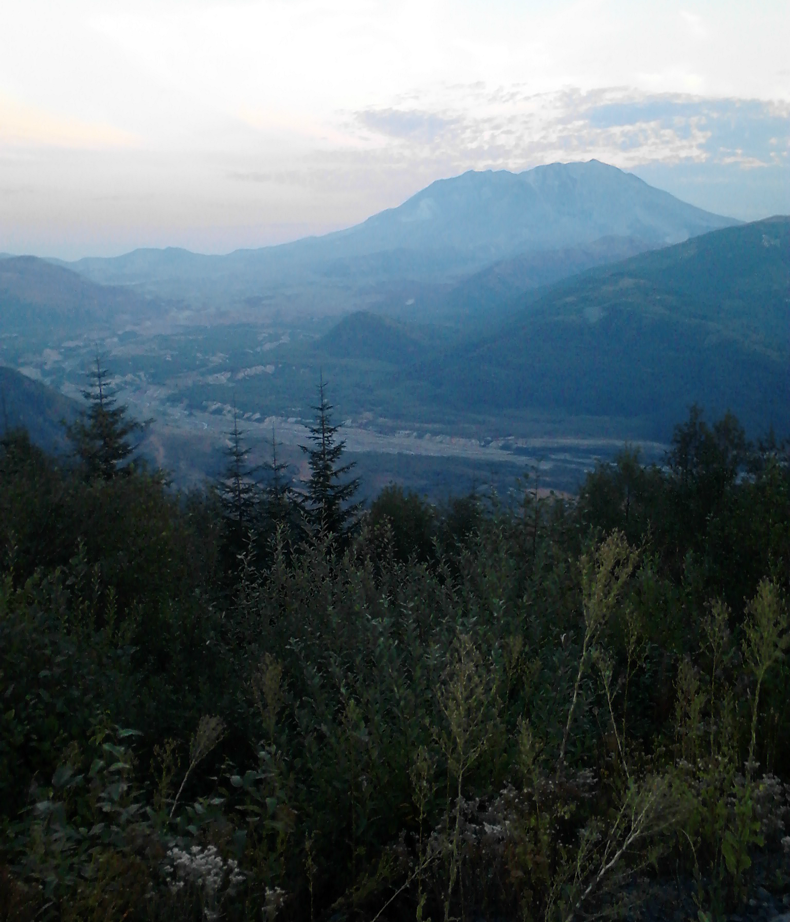 Mt Saint Helens Near Sunset via @JanalynVoigt
