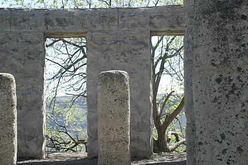 Stonehenge Memorial via Janalyn Voigt | Literary Wayfarer