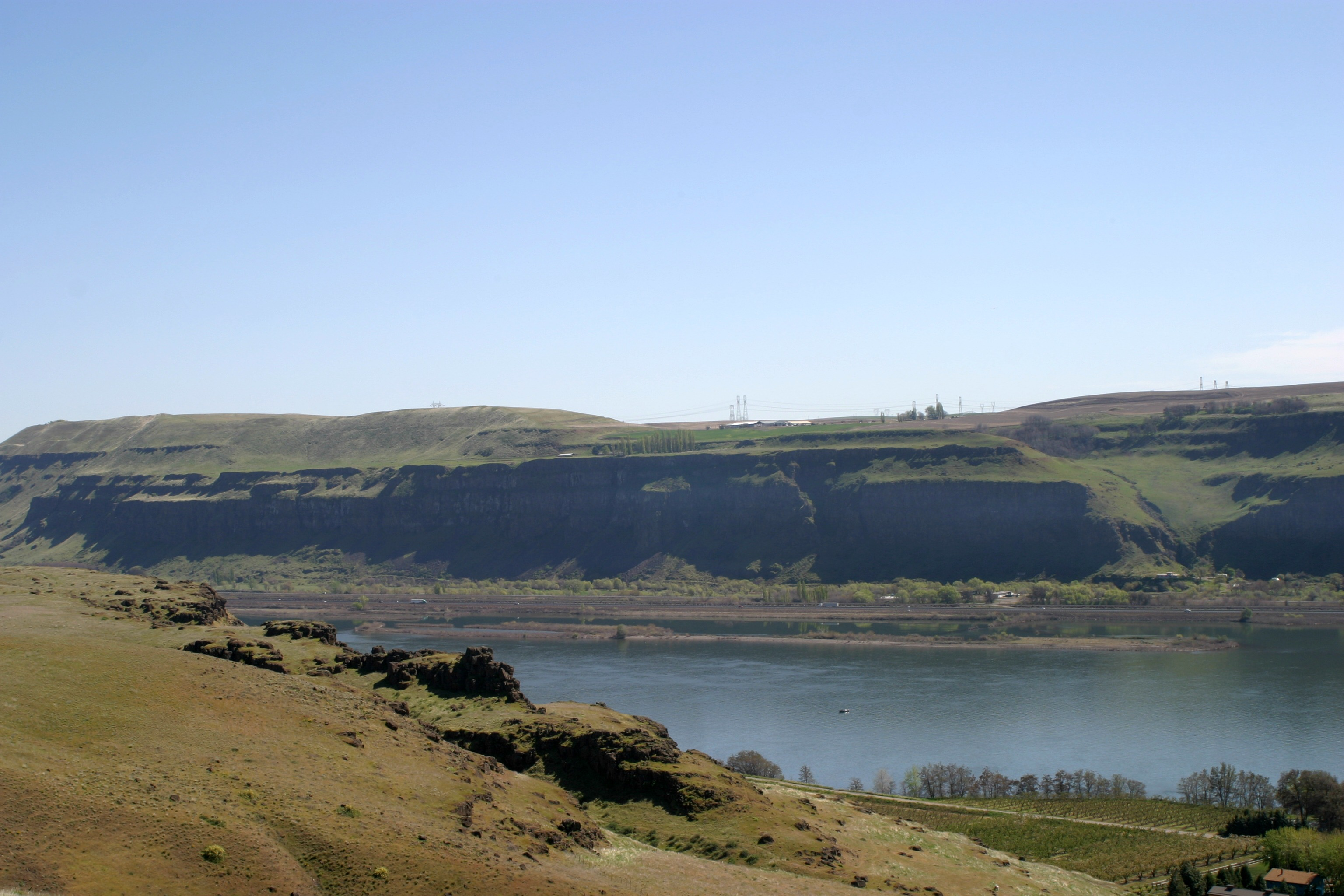 View of the Columbia River from Maryhill by Janalyn Voigt | Literary Wayfarer